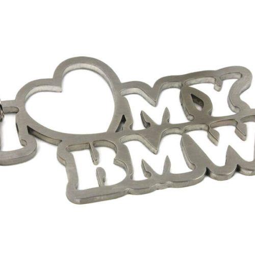 Breloc Metalic - I love my BMW - Stickere Parbriz - Stickere Far - Stickere Parasolare - stickere auto - Parasolare auto - Camuflaje auto - Brelocuri Auto - Odorizante auto - Breloc Piese Auto - Short Lanyard - Breloc Piele-Metal - Alte Brelocuri din metal